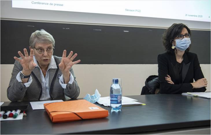 Les conseillères d'État Béatrice Métraux et Christelle Luisier ont expliqué les enjeux de cette révision.